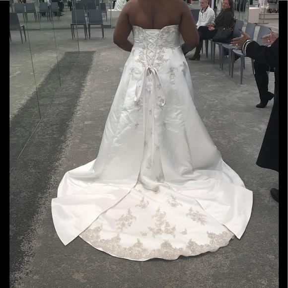 David\'s Bridal Dresses | Beautiful Plus Size Ivory Wedding Dress ...